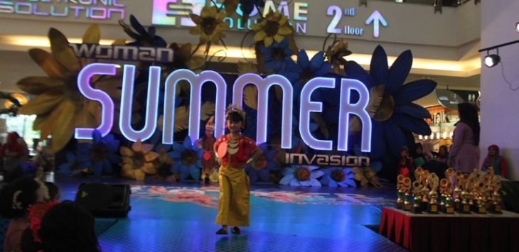 Fashion show serta aneka lomba meriahkan program 'Woman Summer Invasion' Festival Citylink.