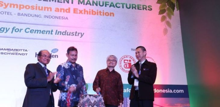 Acara The 25th ASEAN Federation of Cement Manufacturers (AFCM) Technical Symposium and Exhibition, di Trans Convention Center Jalan Gatot Subroto